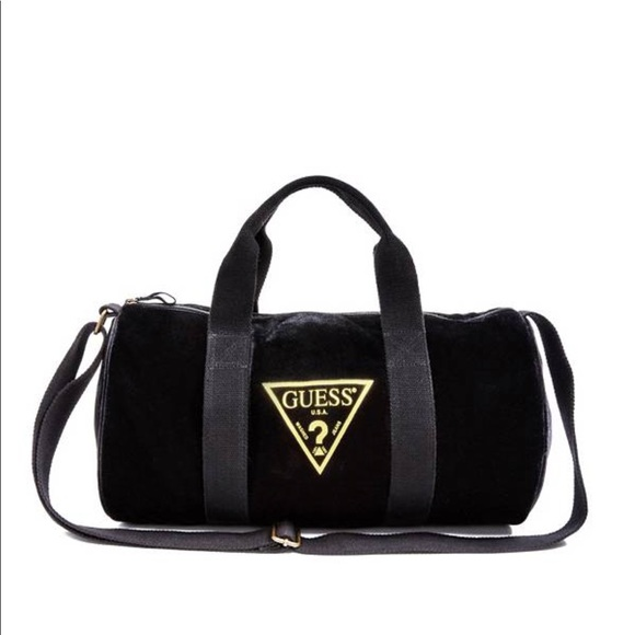 Guess duffle bag. Listing Price   20. Your Offer 224fe16b967ea